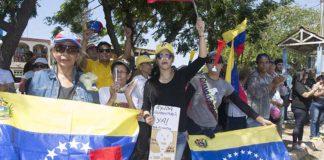 EN FOTOS: Paraguaneros se concentraron en apoyo a Guaidó