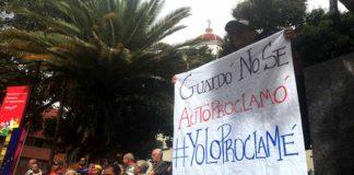 Caraqueños espera a Guaidó en la Plaza Bolívar de Chacao