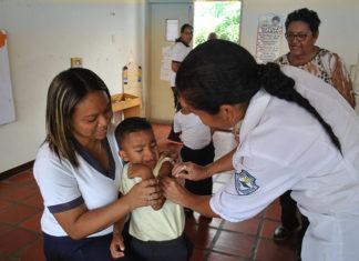 Vacunación total en CEIS y Escuelas de Falcón