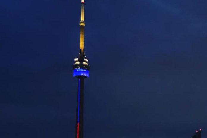 La Torre CN de Toronto se iluminó con los colores de Venezuela