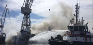 Mueren seis personas en el incendio de un barco en Sudáfrica
