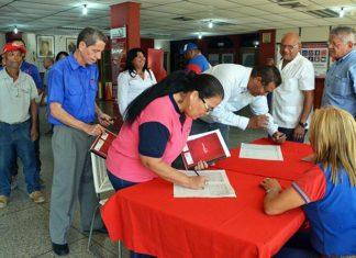 Trabajadores de la Alcaldía de Carirubana firmaron por la paz y contra la injerencia
