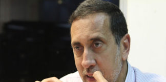 """""""Seis dólares es el sueldo mínimo en Venezuela"""", dijo Guerra"""