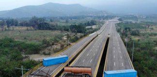 Oposición denuncia que militares bloquean puente fronterizo con Colombia