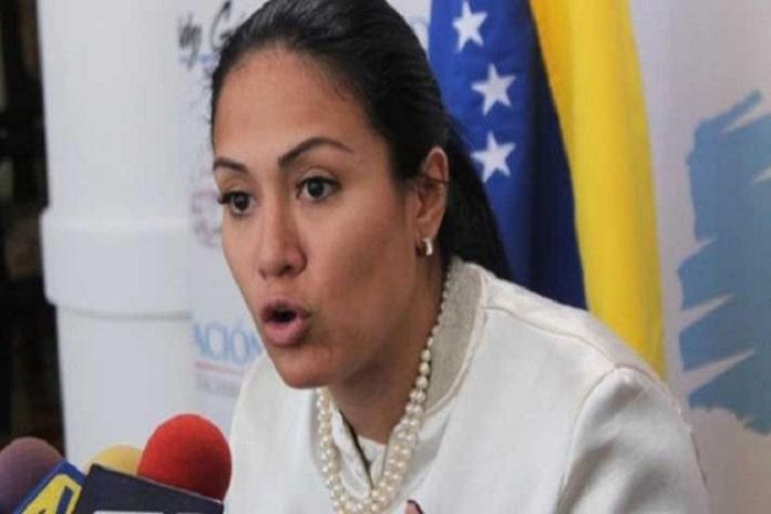 Laidy Gómez suspende clases por violencia en Táchira