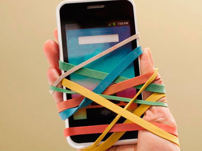¿No puedes vivir sin tu celular? Podrías sufrir de nomofobia