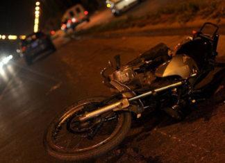 Tres lesionados deja deslizamiento en moto en Coro