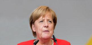 """Merkel apela a un """"brexit"""" ordenado y acepta una """"breve prórroga"""""""