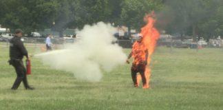 Hombre que se prendió fuego frente a la Casa Blanca