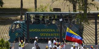 Guaidó llama a marchar hacia batallones hoy 4M y estos son los puntos (+Tuits)