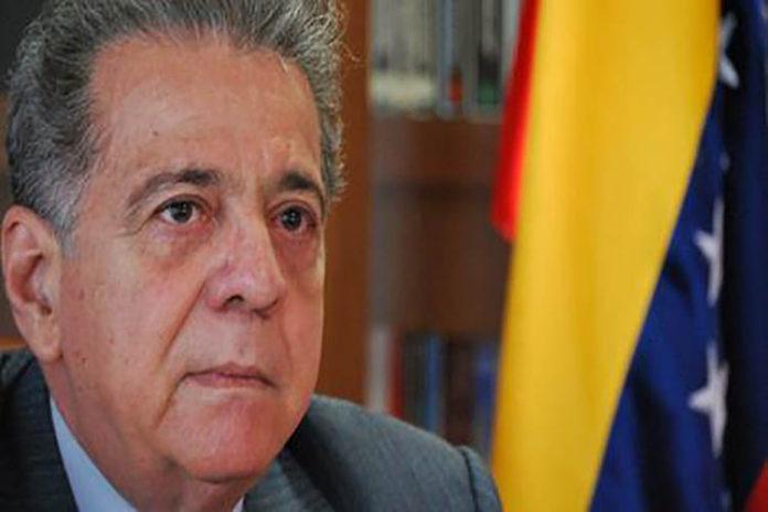 Isaías Rodríguez presenta su renuncia como embajador en Italia