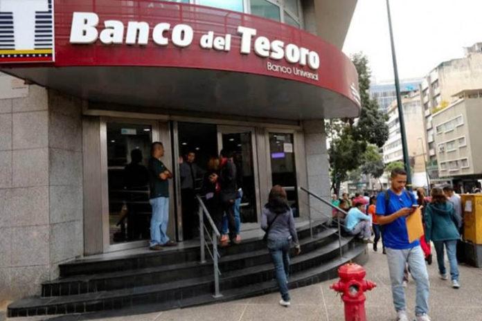 Denuncian que el Banco del Tesoro en Trujillo tiene más de un mes sin servicio