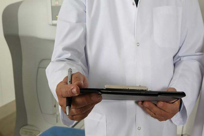 La bata de tu doctor podría ser