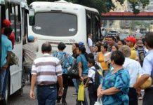 Transportistas consideran insuficiente pasaje en Bs 300