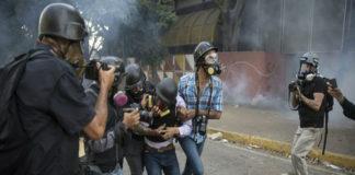 Tres periodistas resultaron heridos durante protesta por gasolina en Táchira
