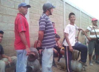 Corianos exigen distribución de gas a puertas de llenadero de Psvsa