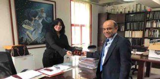Donan colección de libros a la Facultad de Ciencias Jurídicas y Políticas de la ULA
