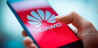 Facebook suspende preinstalación de Apps en dispositivos de Huawei