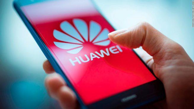 Facebook suspende preinstalación de Apps en dispositivos de Huawei