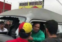 "El ""zafarrancho"" entre chóferes venezolanos en Perú (+Golpes)"