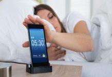 Posponer la alarma en las mañanas afecta tu salud, según especialista