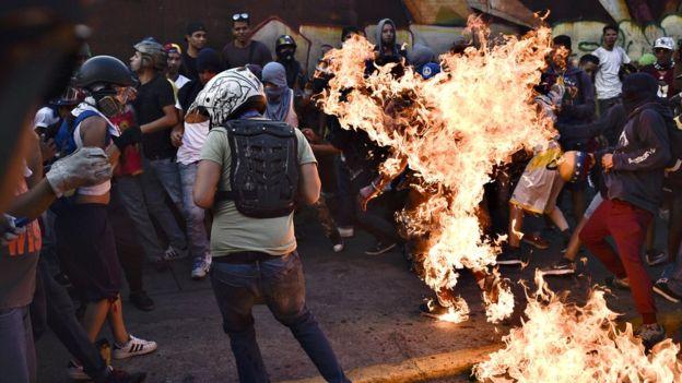 Venezolano acusado de quemar vivo a Orlando Figuera estará detenido en España