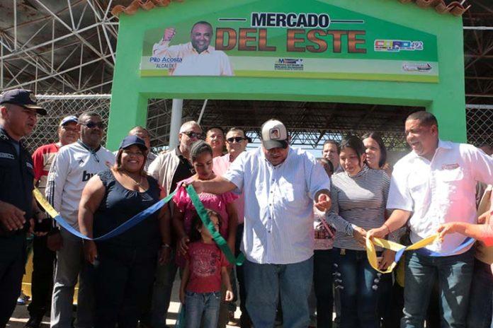 Alcalde de Coro pone en servicio Mercado del Este