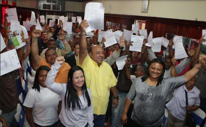 Alcalde de Coro entregó 25 cargos fijos y asignó 13 jubilaciones a personal obrero