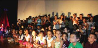 Gobernación agasajó a hijas e hijos de trabajadores en su día
