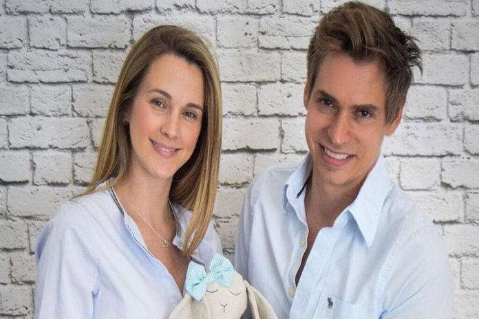 Carlos Baute y Astrid Klisans son padres por tercera vez