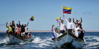 Guaidó llega a la isla de Margarita en un peñero
