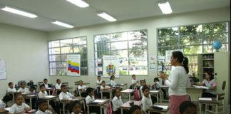 Expertos abogan por una modificación de la pedagogía educativa
