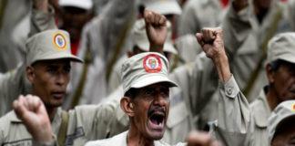 Insólito: Milicianos desfilaron con cajas del Clap (+Video)