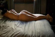 Los beneficios saludables de dormir desnudo, según la ciencia