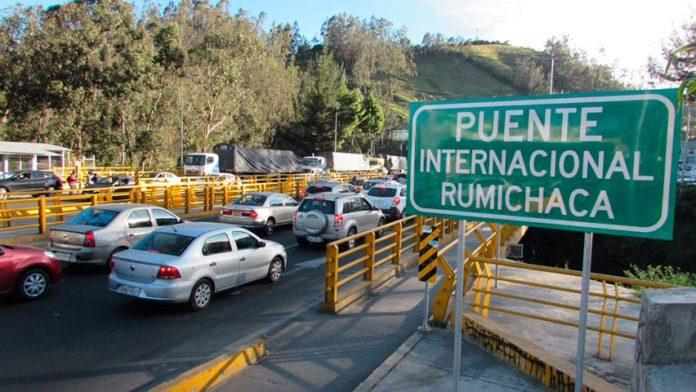 Venezolanos desbloquean tránsito en frontera de Ecuador y Colombia