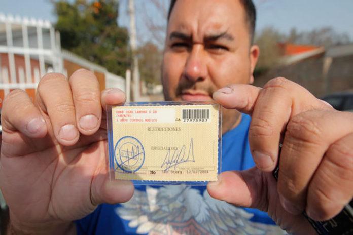 Embajadora de Guaidó en Chile gestiona licencias de conducir para venezolanos