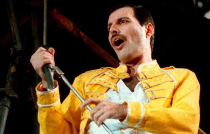Freddie Mercury cumpliría hoy 73 años (+Éxitos)