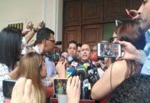Diputados oficialistas llegaron al Palacio Federal Legislativo