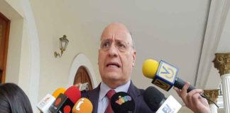Dávila: El narcotráfico obligó al régimen a bajar la presión por el Esequibo