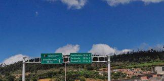 21 venezolanos heridos por accidente de camión al norte de Ecuador