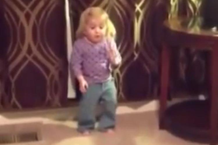 """1, 2, 3 Chachachá"", los pasos de la niña que se viralizó en YouTube"