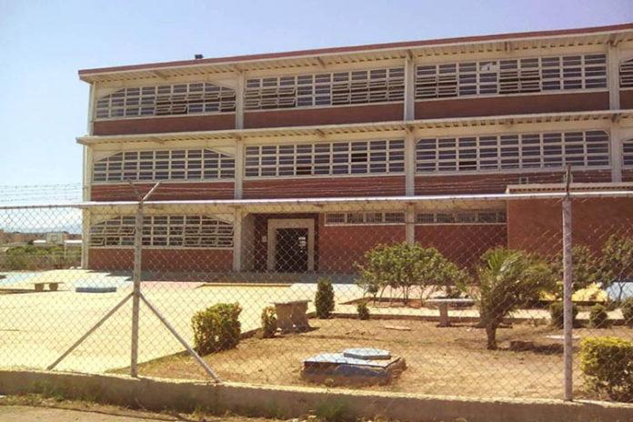 20% de educadores acataron paro en Falcón