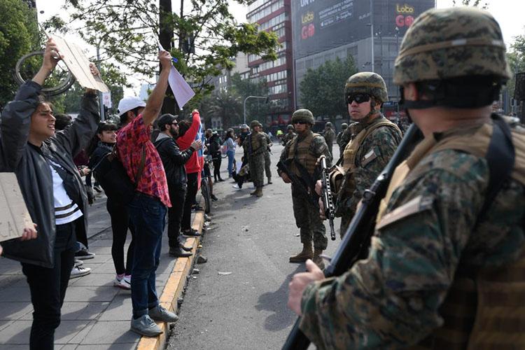 Decretan quinto toque de queda en Chile