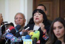 Bolivia Suárez: Solo un mediocre se le ocurre que las gallinas pueden sustituir los libros
