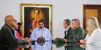 Maduro viaja a Azerbaiyán a entregar la presidencia de Mnoal