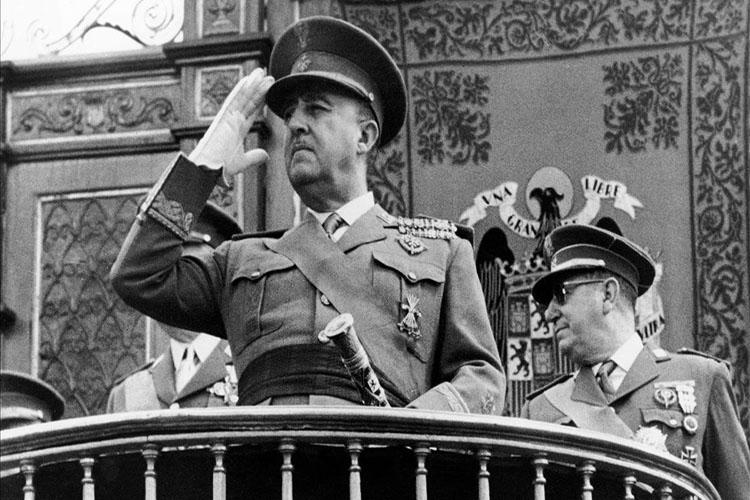 Franco será exhumado de su mausoleo antes del 25 de octubre