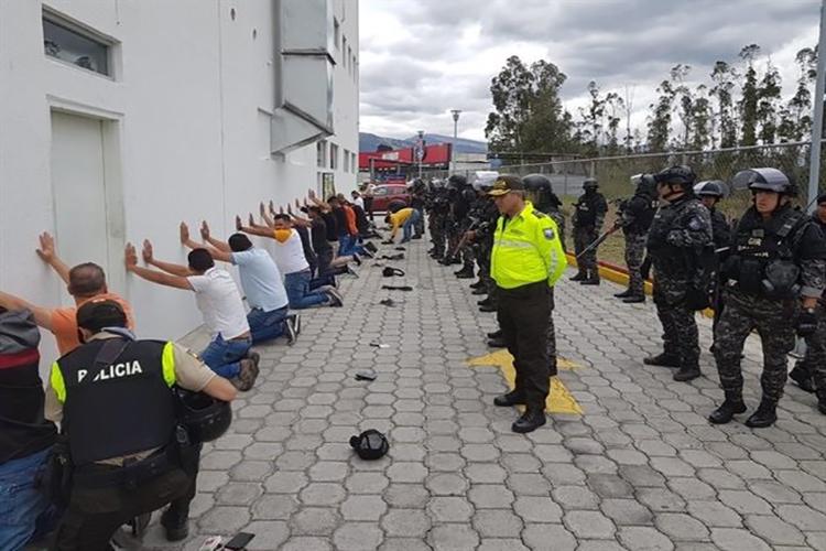 Gobierno de Ecuador anuncia la detención de varios venezolanos en aeropuerto de Quito