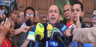 Torrealba anunció nuevas liberaciones de presos políticos en las próximas horas