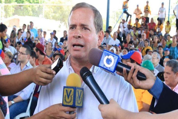 Juan Pablo Guanipa participa en la marcha en solidad con el Zulia en Caracas