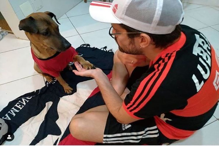 Vendió su entrada de la Copa Libertadores para salvar a su perro con cáncer